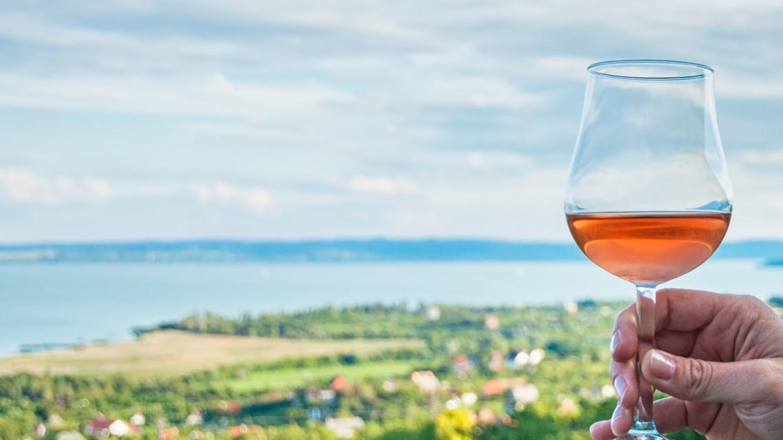 Ezek a legjobb borok most a Balatonnál: itt a toplista!