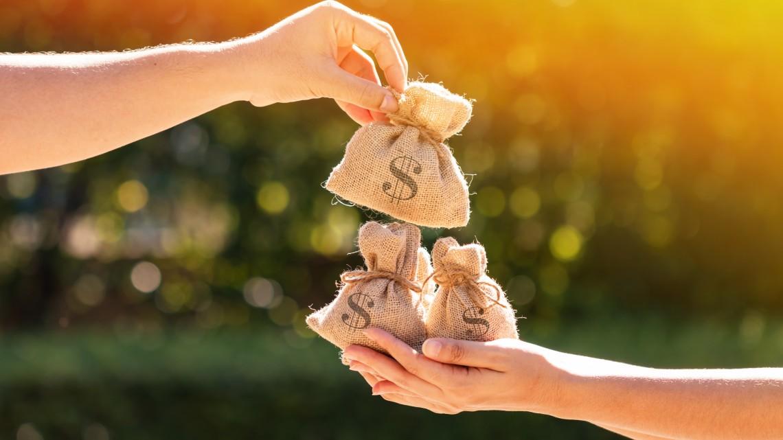 Jó hír a családoknak, hamarabb érkeznek a támogatások