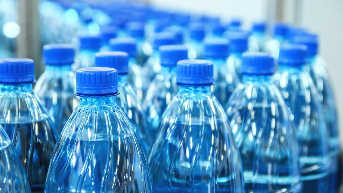 Mi van itt? Egyre kevesebb buborékos vizet iszik a magyar