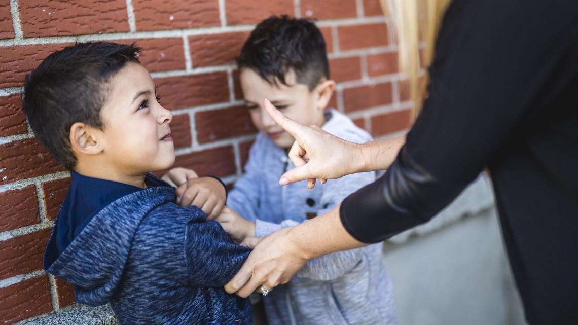 A szülőknek is van mit tanulniuk: szakemberek segítenek az óvodákban és iskolákban