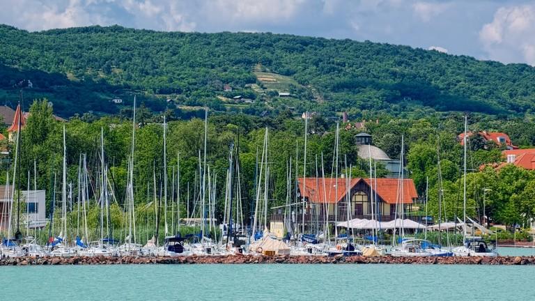 Ilyen is ritkán van a Balaton partján: így ünneplik meg Füreden a magyar nyelv napját