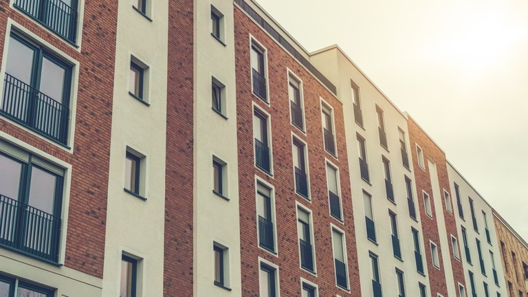 Varga Mihály: 2023-ig még maradhat a kedvezményes lakásáfa