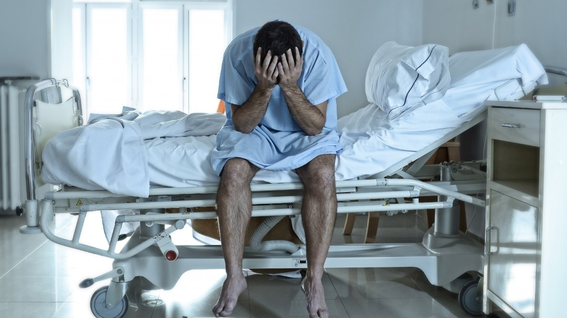 Nem lesz rövidebb a várólista: 25 ezer szakdolgozó hiányzik a magyar egészségügyből