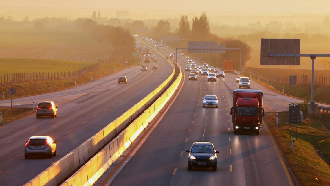 Okosút lesz az M76-os gyorsforgalmi út