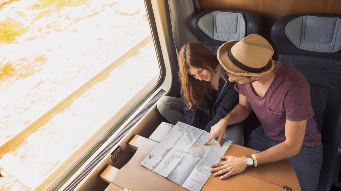 Jövőre 12 ezer fiatal utazgathat ingyenesen Európában: így lehet jelentkezni