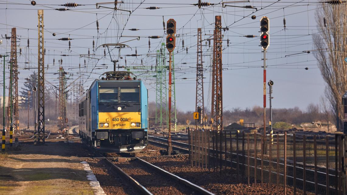 Itt a MÁV bejelentése: rövidebb ideig lesznek érvényesek a vonatjegyek