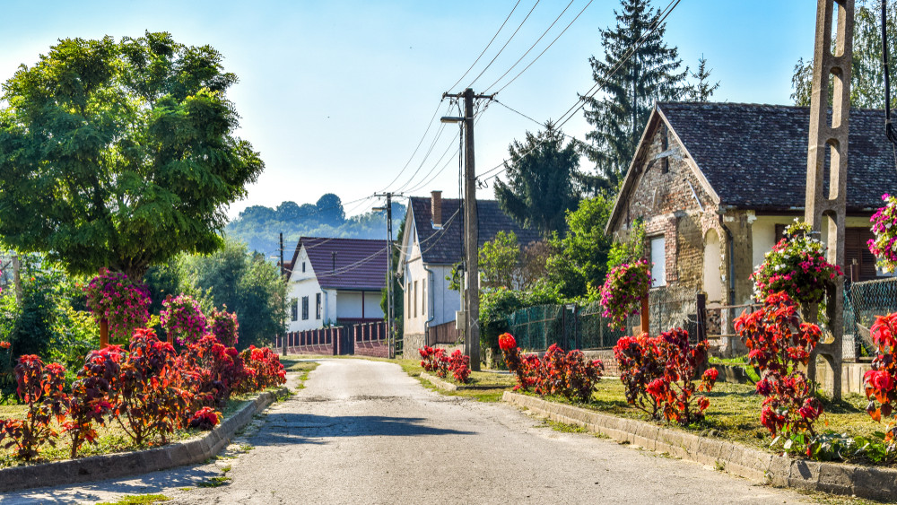 Itt a megoldás: megállítható az elvándorlás a magyar falvakból