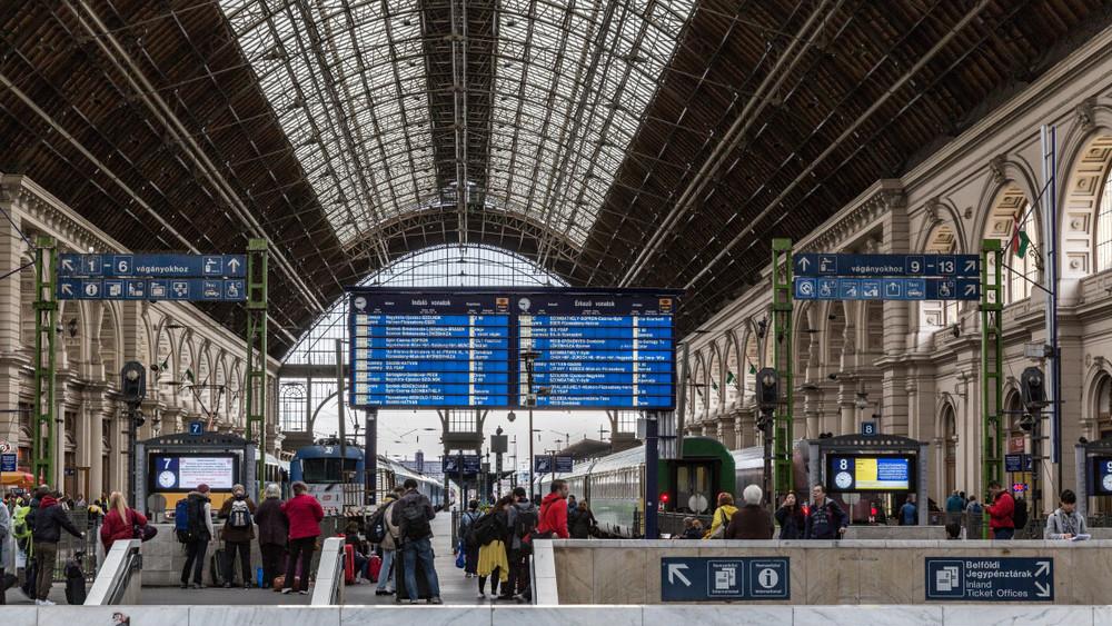 Több gyorsvonat, plusz járatok: vasárnap lép életbe az új vasúti menetrend
