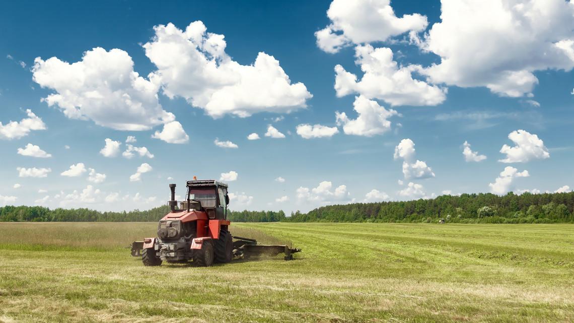 Jóval nagyobb visszatérítést kapnak idén a támogatott agrárbiztosítást kötő gazdák