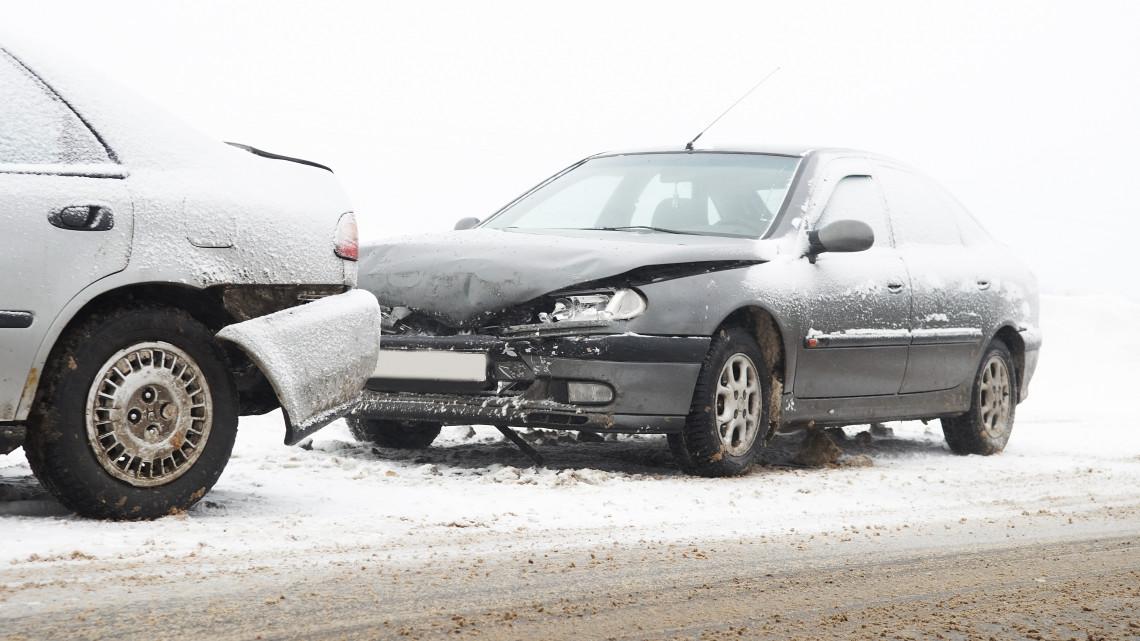 Egyre jobban félti autóját a magyar: évről évre többen kötnek biztosítást járművükre