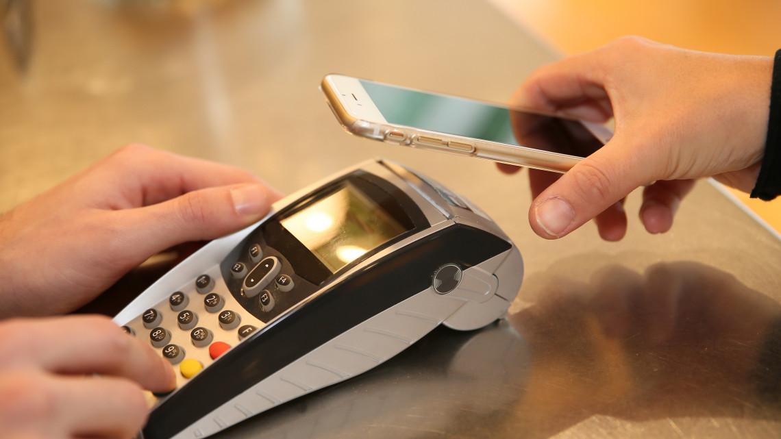 Fantasztikus jövő: hamarosan az archálónkkal vagy az ujjlenyomatunkkal is fizethetünk