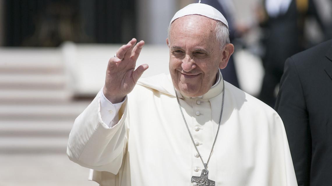 Ferenc pápa békére szólítja fel a világot