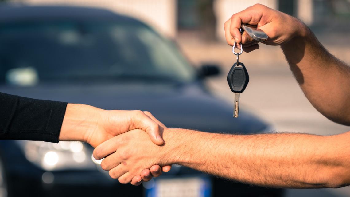 Januártól nehezebb lesz trükközni a használt autók eladásával: lekérdezhetőek lesznek az adatok