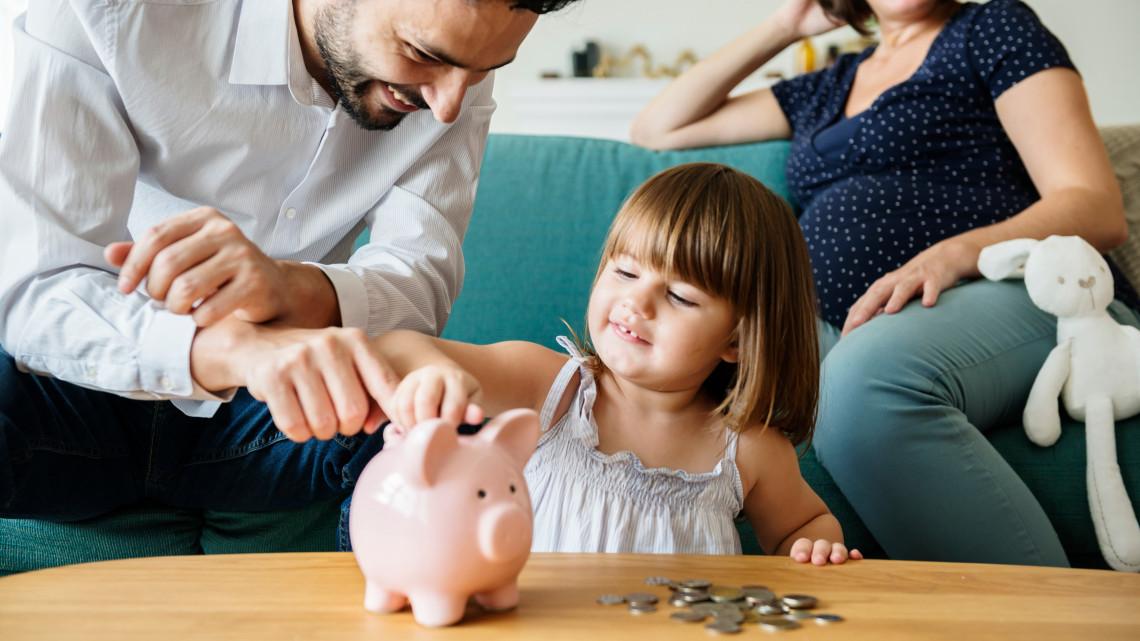 Januártól több pénz marad a magyar családok zsebében