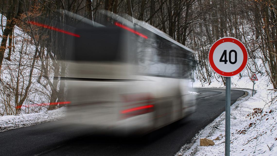 Így járnak munkába a magyarok: vidéken is tarol a tömegközlekedés