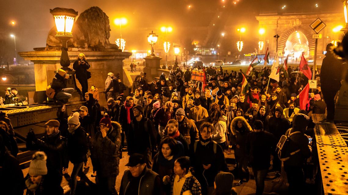 Országos sztrájk indul: mutatjuk a szakszervezetek követeléseit