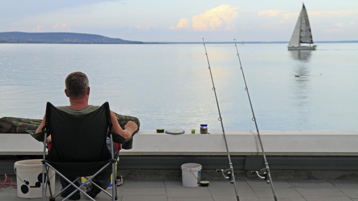 Horgászok, figyelem! Fontos változás 2019-től a Balatonnál