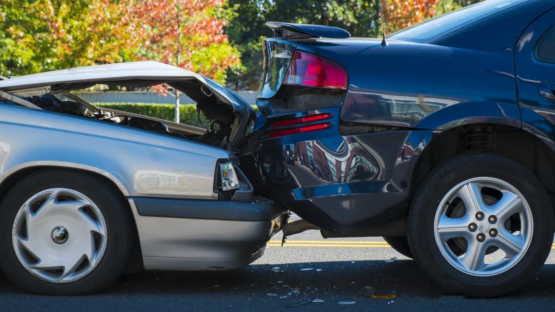 Autósok, figyelem: elérhető az e-kárbejelntő applikáció