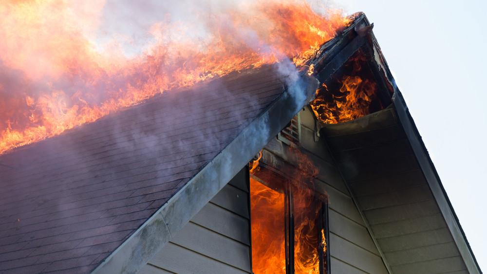 Idén már 350 lakástűzhöz riasztották a tűzoltókat