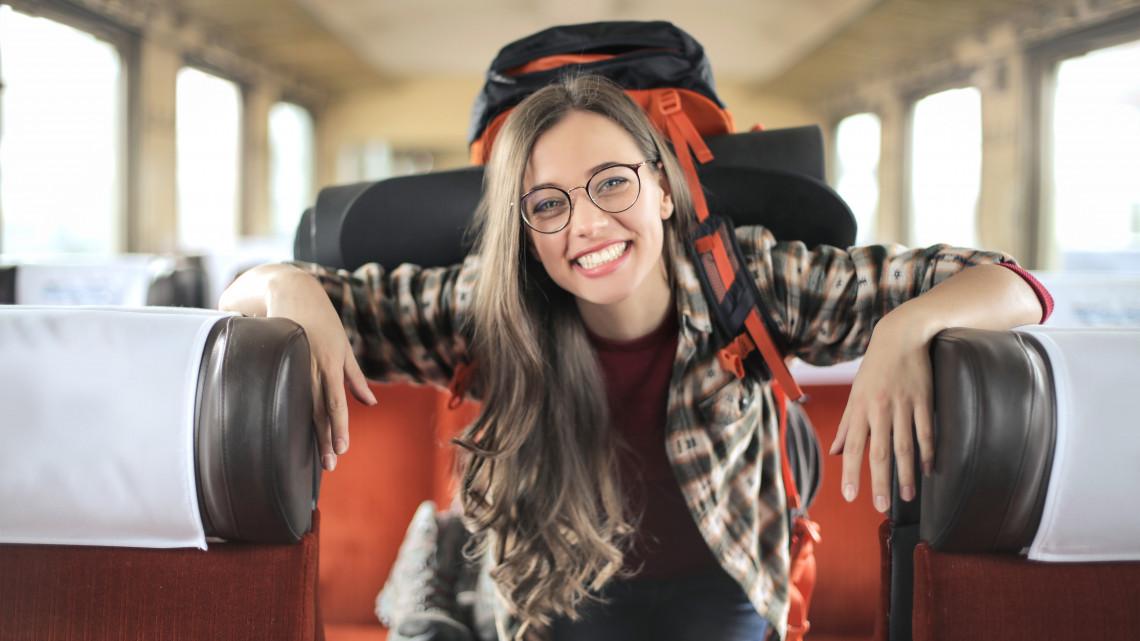 Most jó 18 évesnek lenni: kibővült a keret, ennyien utazhatnak idén ingyen
