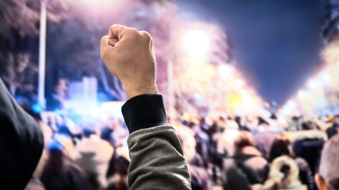 Hivatalos: országos sztrájkot hirdetnek a közszolgálati dolgozók