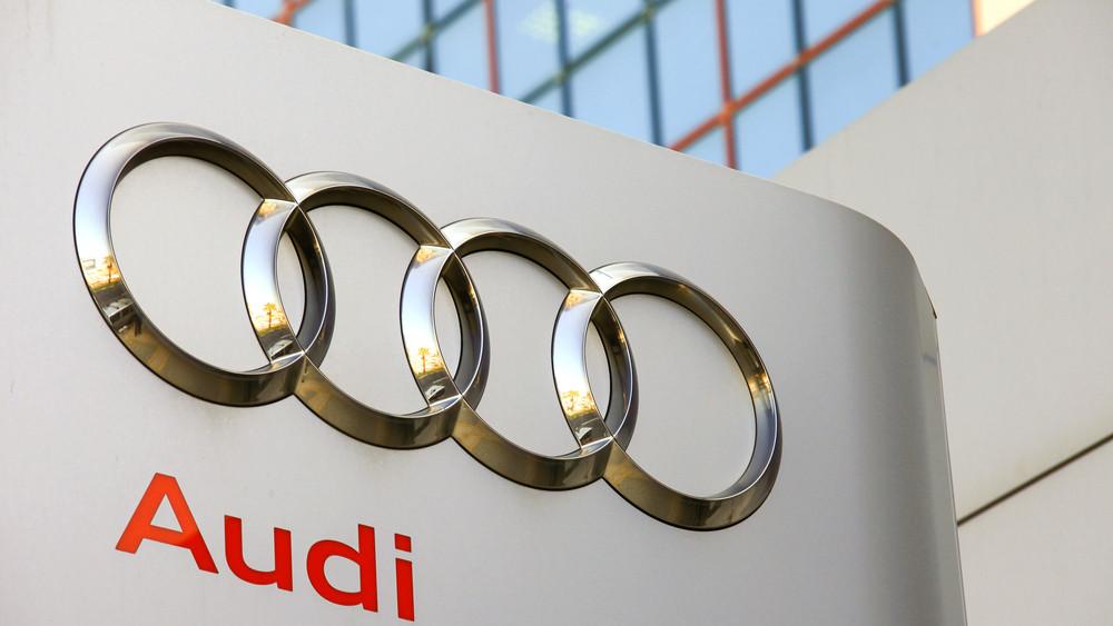 Az Audi Hungaria dolgozói fizetésemelést és több szabadságot követelnek