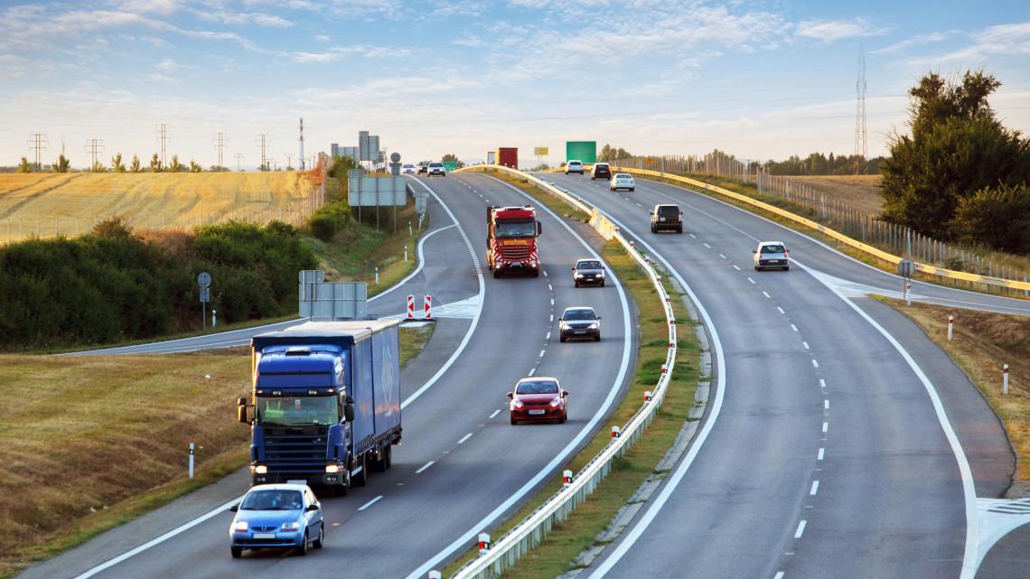 Vigyázz, merre hajtasz: ezeket az utakat kerüld el, ha nincs autópályamatricád