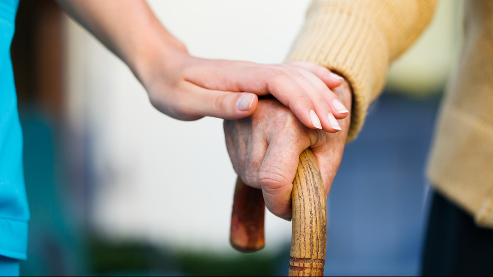 Egyre nőnek a várólisták az idősotthonokban
