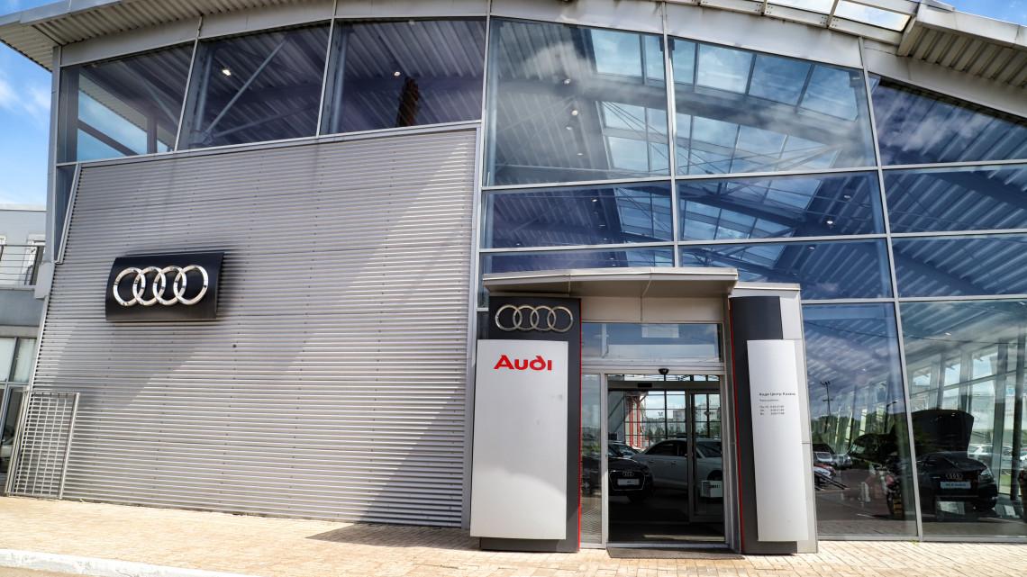 Itt a sztrájkbejelentés: egy teljes hétre leáll a győri Audi-gyár