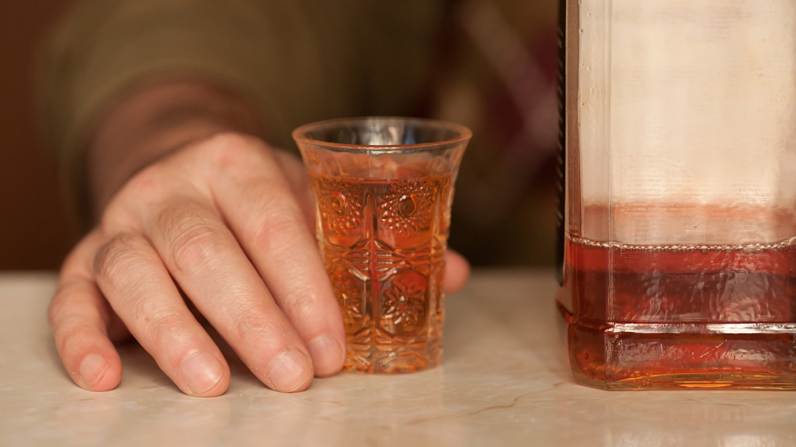 Súlyos szakorvosi látlelet: 900 ezer alkoholista is lehet Magyarországon