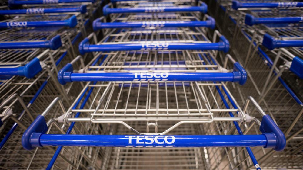 Sztrájkhelyzet a Tesco-nál: akár össze is omolhat az áruházlánc teljes bérezési rendszere