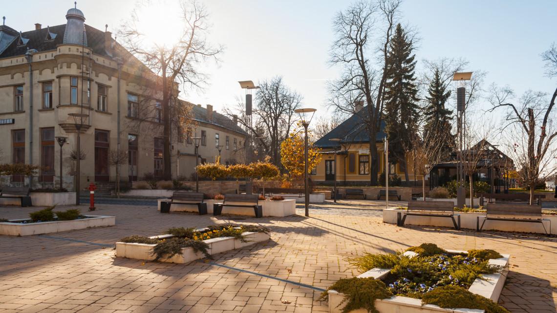 Felújított temetővel és négynapos ünnepséggel emlékeznek meg Balassagyarmat hőseiről