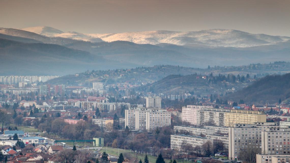 Egyre súlyosabb a helyzet Miskolcon: elrendelték a szmogriadó tájékoztatási fokozatát