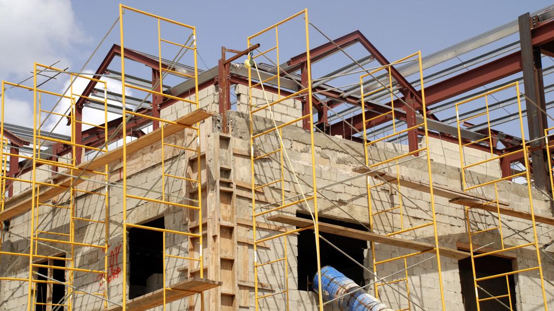 Az építőipar marad a régi: kiírthatatlannak tűnik a feketemunka