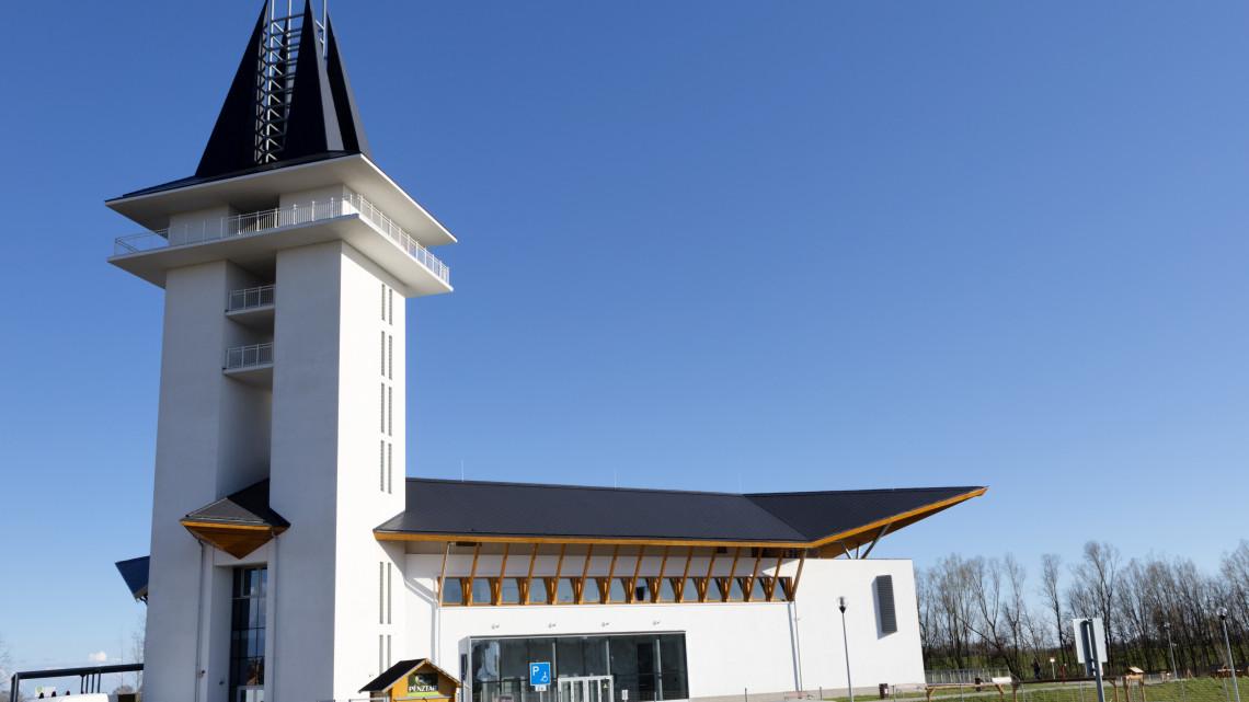 Látogatottsági rekord a Tisza-tónál: tovább fejlesztik az Ökocentrumot, amire mindenki kíváncsi