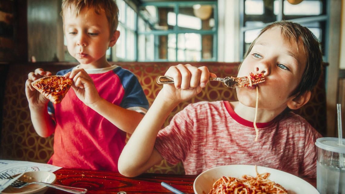 Kiderült: ezt gondolják a gyerekek az egészségtelen élelmiszerekről