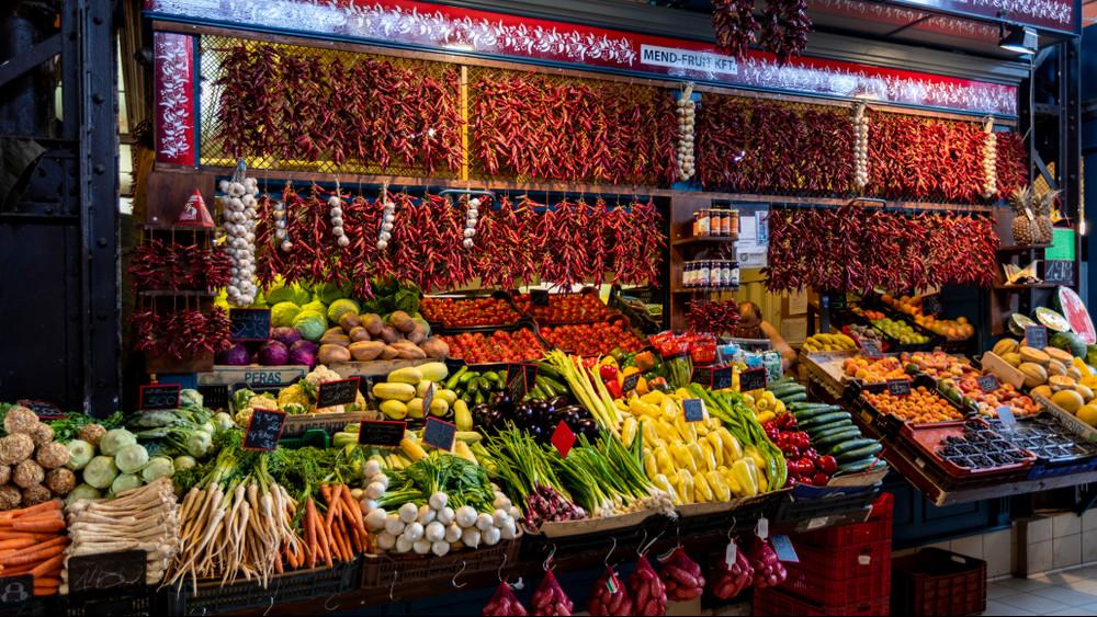 Legendás piacok a magyar vidéken: tömegeket vonz az olcsó áru és a nosztalgia
