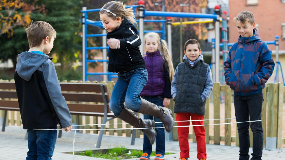 Rendkívüli szünet van a lábatlani óvodában: 130 gyermek lett rosszul