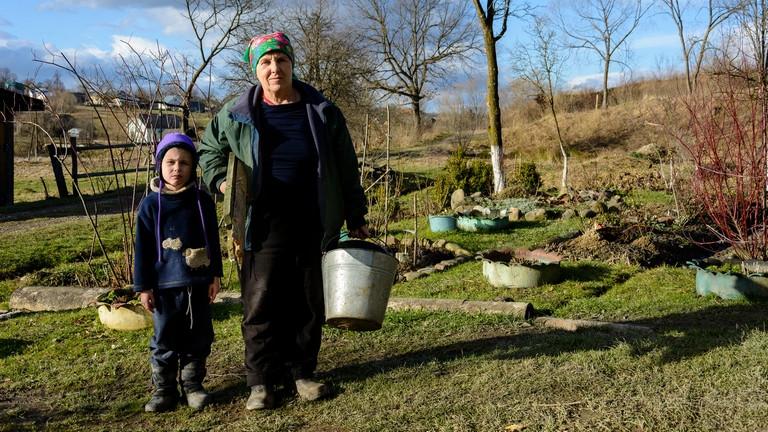 Ezért nem látni falun hajléktalant: így segítik a magyar vidék koldusait
