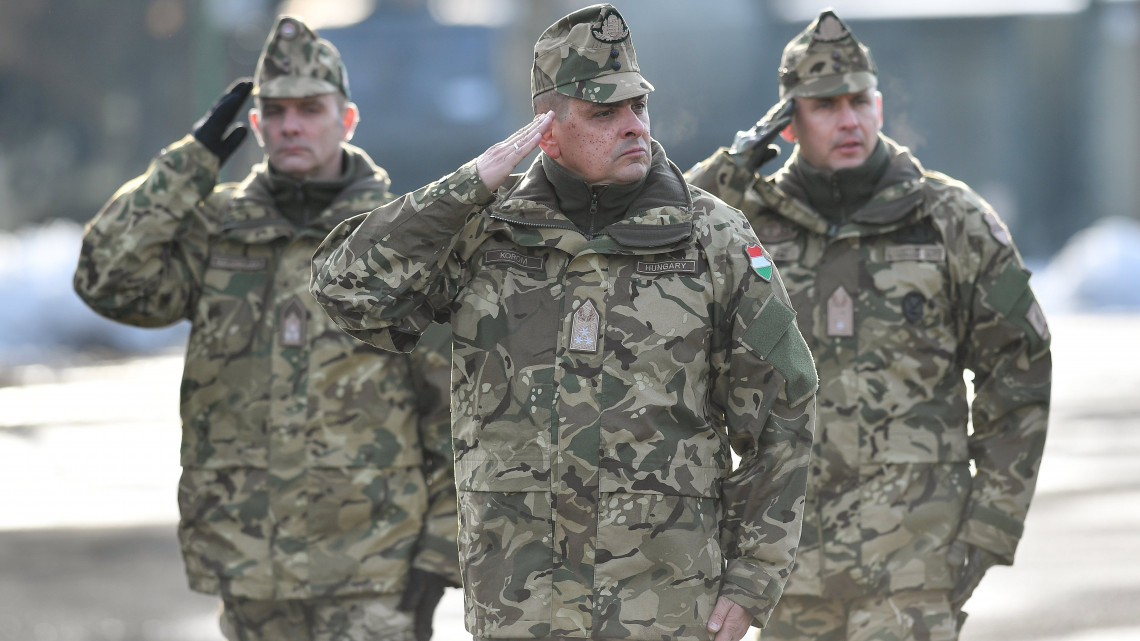 Létszámnöveléssel tenné ütőképesebbé a magyar katonaságot a Honvédelmi Minisztérium