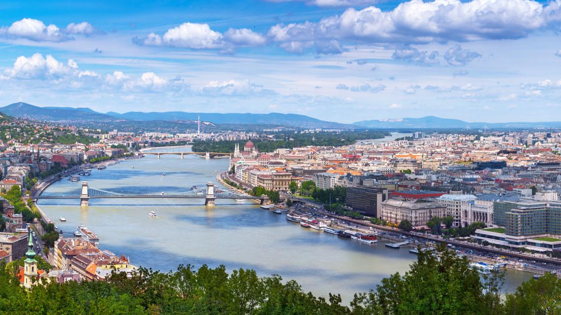 Megváltozott a Duna: sokszínűbbé vált a folyó lebegtetett algaközössége