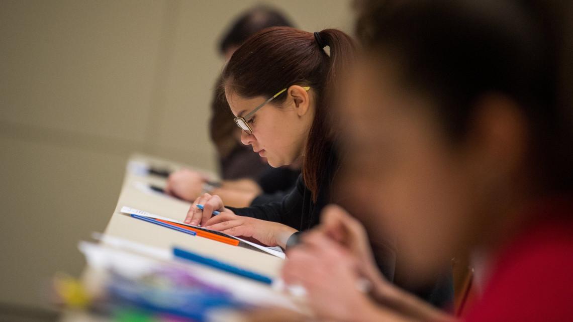 Hivatalos: 2020-tól már tényleg kell a nyelvvizsga a felsőoktatási felvételhez
