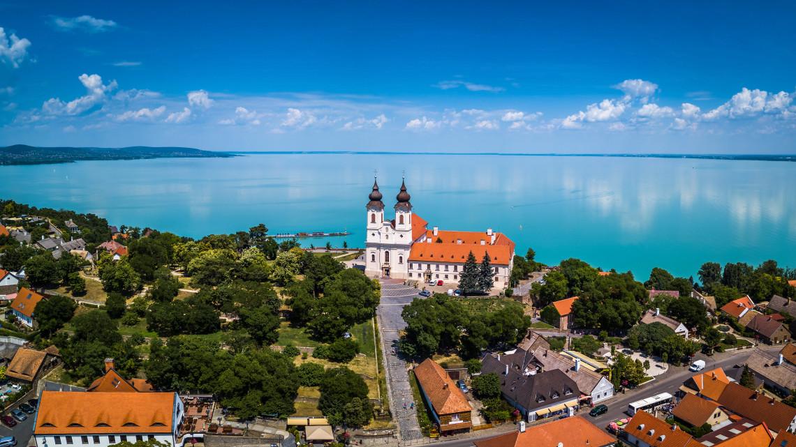 Így nyaralnak a magyarok: ezek a legnépszerűbb úti célok idén