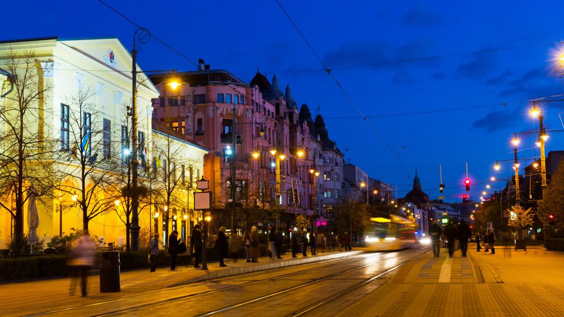 Pénzeső érkezett Debrecenre: erre megy el 800 milliárd forint