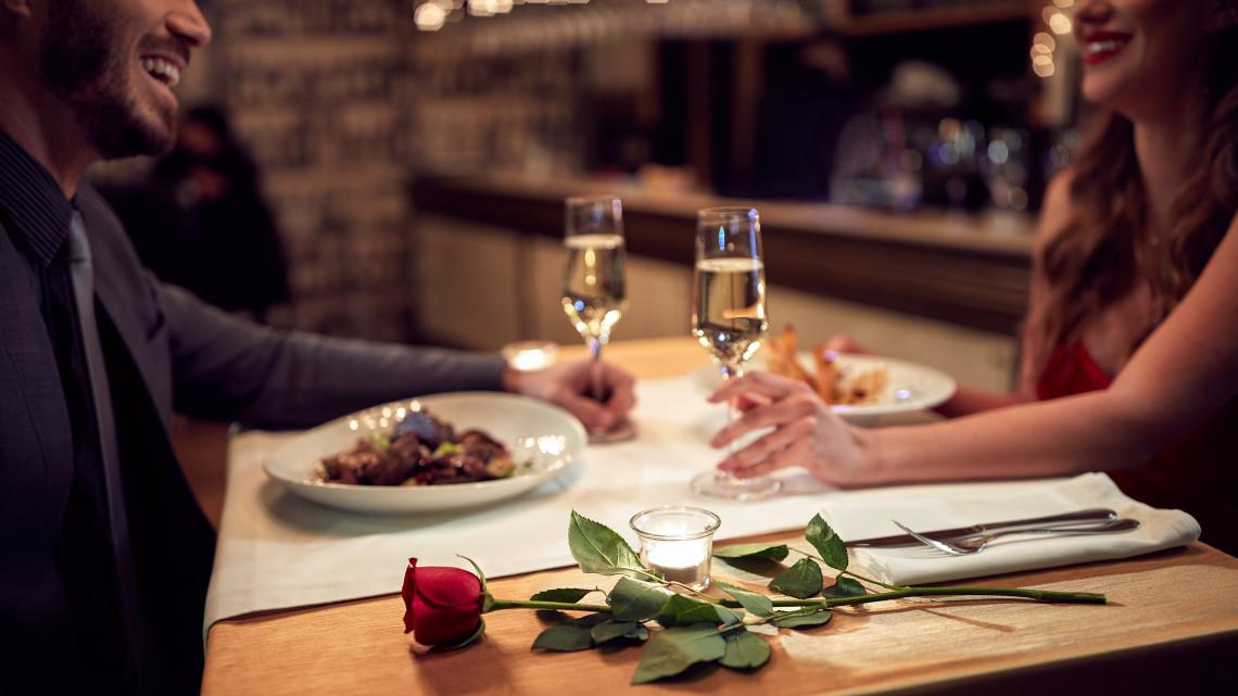 Erre költünk Valentin-napon: a klasszikus ajándék a trend