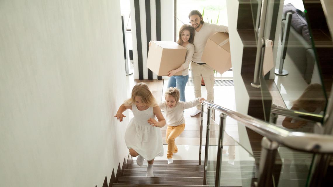 Családvédelmi program: akár 40 milliót is kaszálhatnak a családok