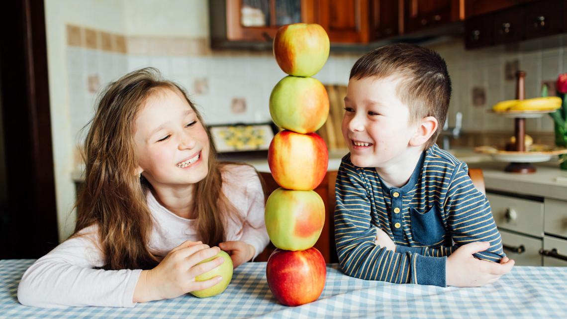 Napi egy alma az orvost tényleg távol tartja? Itt a dietetikus válasza!