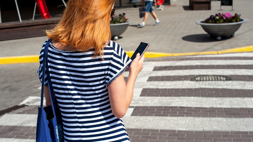 Debrecenben már működik: okoszebrák a biztonságos közlekedésért