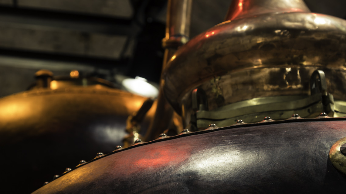 Porosodnak a pálinkafőzők: meghökkentően kevés párlat készül hivatalosan