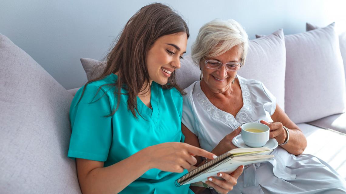 Ezzel csalogatják a jövő ápolóit: havi zsebpénzt kapnak az egészségügyi tanulók